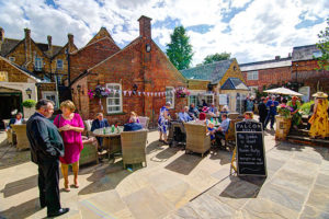 Falcon Hotel - Uppingham - Patio